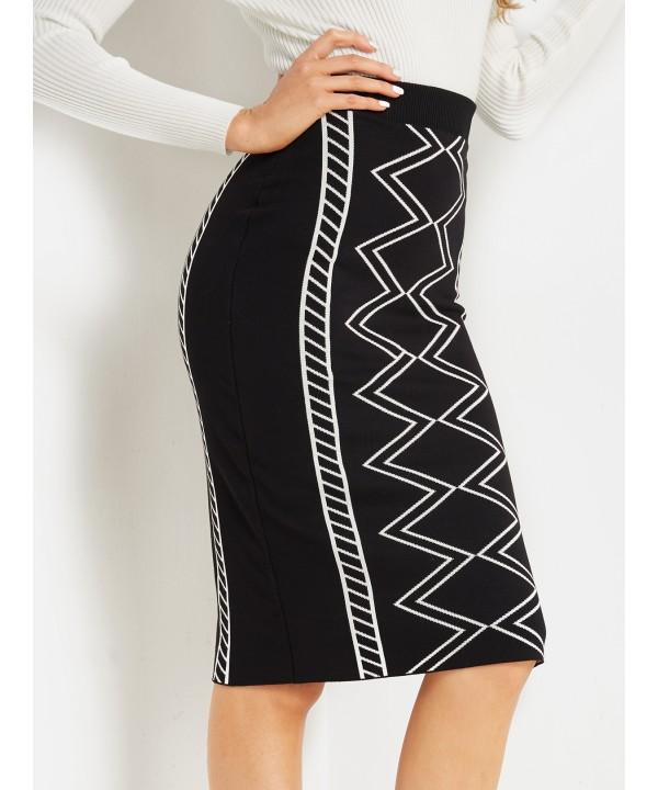 Black geometric waist skirt